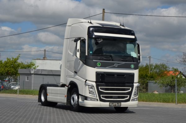 4 61 600x398 - VOLVO FH 500 EURO 6 2015 ACC HEAD UP Z NIEMIEC 392