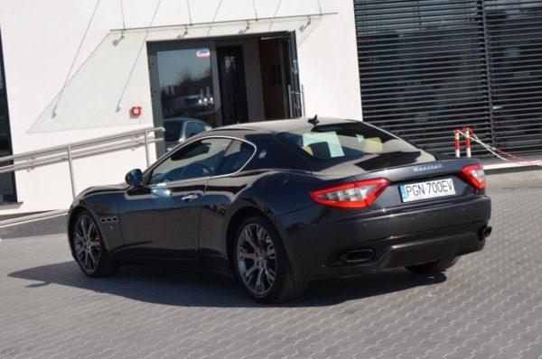 9 33 600x398 - Maserati GranTurismo