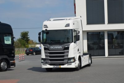 3 4 400x267 - SCANIA R 450 2017 NOWY MODEL KLIMA POS LED ACC 618