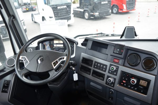 8 53 600x398 - RENAULT T 480 HIGH 2016 230000km ASYSTENT PASA 472