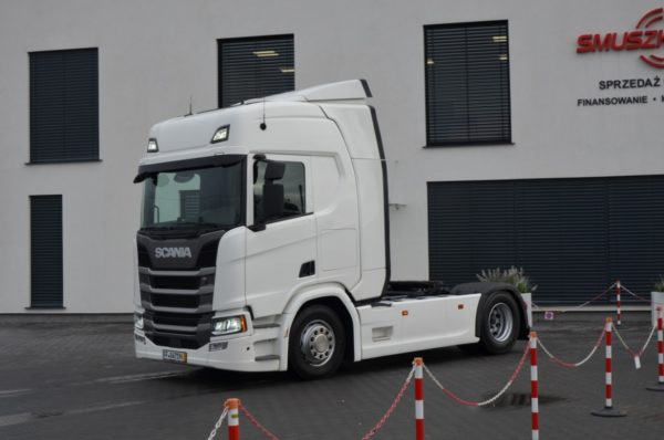 2 1 600x398 - SCANIA R 450 2017 NEW MODEL KLIMA POS. LED ACC 593