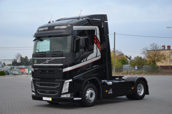 10 26 600x398 - VOLVO FH 500 2016r. TEMPOMAT ACC LED ASYSTENT 746