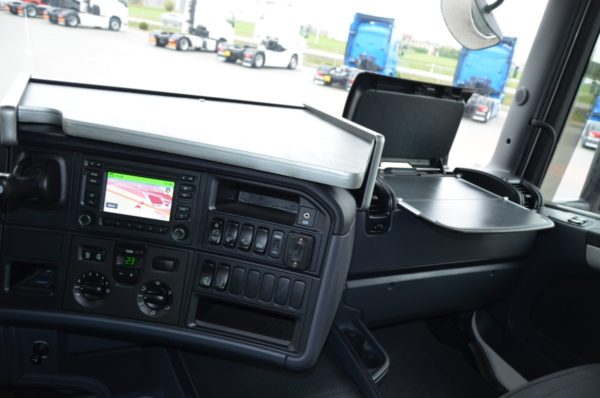 10 5 600x398 - SCANIA R 410 2016r KLIMA POS LED NAVI ASYSTENT 309
